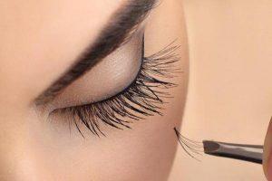 Удължаване и сгъстяване на мигли косъм по косъм